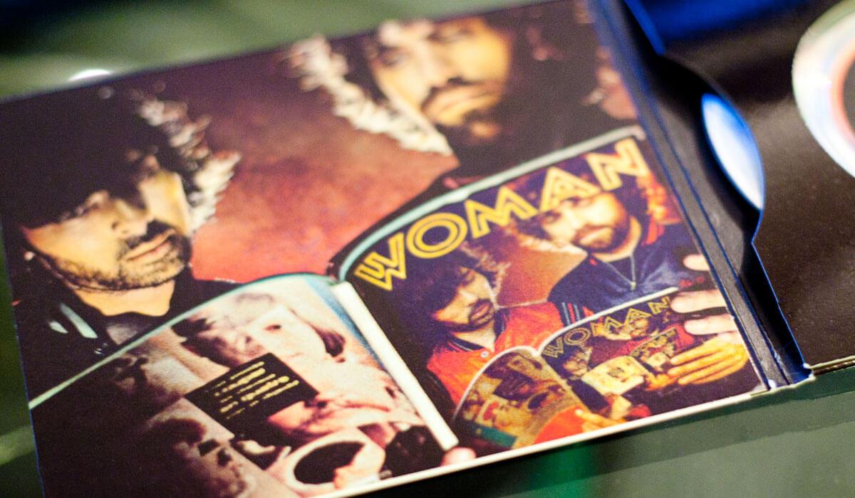 Un prototype intéressant pour le cd promo de Justice.