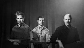 Timber Timbre annonce un nouvel album avec un nouveau titre 'Sewer Blue'