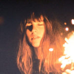 Le clip du nouveau titre de Melody's Echo Chamber : Breathe in, Breathe out